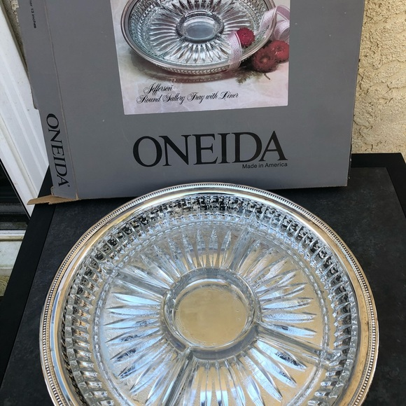 Oneida Jefferson Gallery Tray with Relish Dish